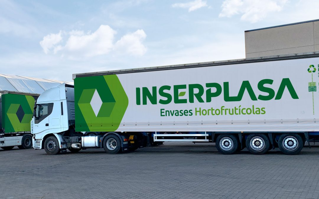 Diseño & rotulación de flota de vehículos para Inserplasa