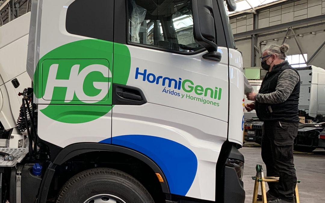Diseño & Rotulación de flota de vehículos para Hormigenil