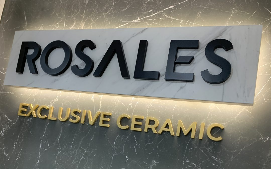 Diseño & Fabricación de Corpóreo sobre cerámica retroiluminado para ROSALES.